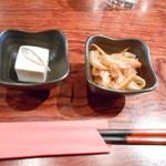 25135869 - ミミガーの酢の物とスクガラス豆腐