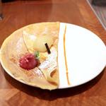クレープリー ル ブール ノワゼット - 洋梨のコンポート バニラの香り マロンクリームとフランボワーズソルベ添え 塩キャラメルソース (900円) '14 2月上旬