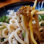 讃岐うどん はるしん - 肉ぶっかけ(卵黄)