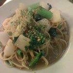 パスタール - 野菜とアンチョビのペペロンチーノ