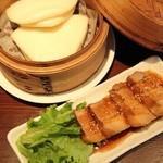 肉汁水餃子 餃包 - 角煮(饅頭つき)