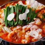 かんべえ - 辛かもつ鍋
