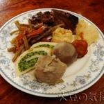 櫻屋 - 食べ放題のお惣菜