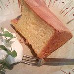 2516313 - ケーキセット(¥500)のシフォンケーキ