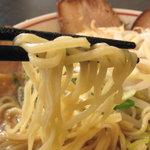 らーめん 天山 - 麺