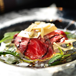 新鮮な食材を使用した和洋折衷の創作料理