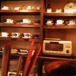 Kafuedepurimabera - 沢山のコーヒーカップ。