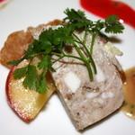 シェフ・ド・フランス - 味付けがGOODでソースを漬けて美味しいです