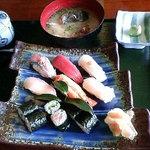 寿し味処 和多栄 - 寿司定食 880円