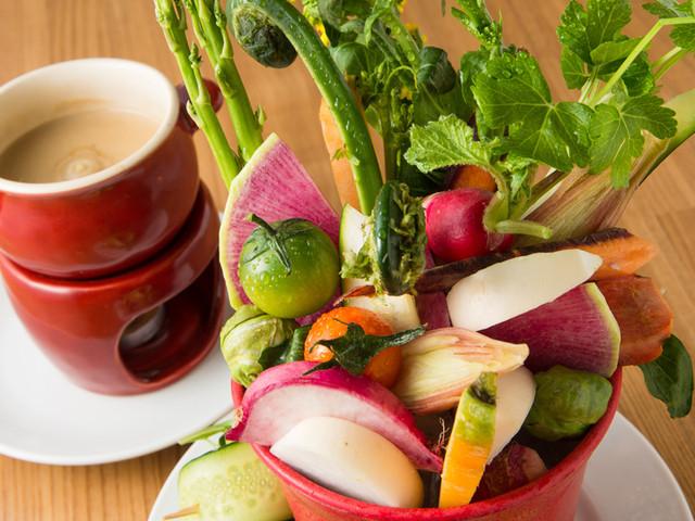 MiKiya's ぐりぐり - カラフルな彩りと野菜の味にこだわった『バーニャカウダ』