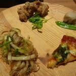 25239609 - 焼うどん&唐揚&菜の花とコーンのピッツァ&里芋