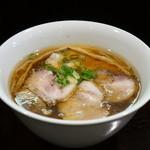 らぁ麺 すぎ本 - 醤油チャーシューらぁ麺