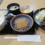 松やん - 「焼肉定食」1300円(消費税5%の時です。)