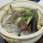 和台所 花 - ハタハタが2匹入った「ハタハタのしょっつる鍋(\2100)」。