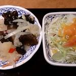 25274281 - CHAO THAI 銀座店 ランチ Bセットに付く海草・木耳とキャベツのサラダ2種