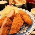 かつ楽 - ヒレ・カキフライ定食 1491円。