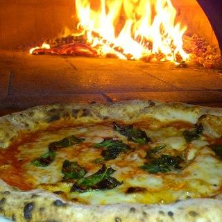 ナポリピッツァ Pizzeria la Rossa