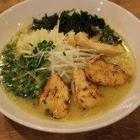 飛翔 - 濃厚鶏白湯麺!