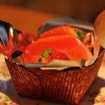 クレヨン - 料理写真:3/20春~苺のパンナコッタ 340円