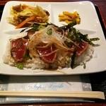 渚砂丸 - カツオのタタキ丼 500円