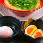 ダイナsoul - ねぎ大盛り、半熟煮玉子、温泉卵 各100円