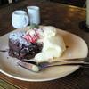 Kafeshokudouaozora - 料理写真:温かいチョコレートケーキとバニラアイス ¥550