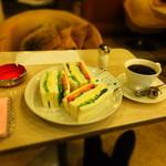 マヅラ喫茶店 - 野菜サンド:500円+ホットコーヒー:250円('14.03月)