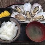 かき小屋 渡波 - 蒸し牡蠣定食1,000円平日ランチタイムは900円