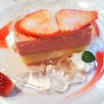 25318060 - デザート  いちごのケーキ
