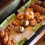 パンと喫茶 松波 - 無添加のパン