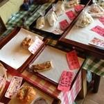 パンと喫茶 松波 - 昼過ぎに行くと売り切れも多かった