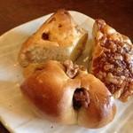 パンと喫茶 松波 - パスタランチのパン