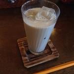 パンと喫茶 松波 - 黒糖ミルク