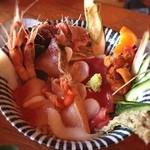緑水門 - 海鮮チラシドーン!(^_^) 全部一口?(笑)ずつ食べました。