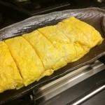 ゆるり家 - 正統派の出し巻き玉子です。ふわふわの食感と出汁が織りなす日本の味をお楽しみください。