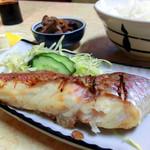ことぶき食堂 - 鯛の塩焼き