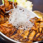 なまらうまいっしょ - 特上国産本ロース豚汁セット+ロース肉増し【2013年11月】