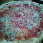 Hal - しらすとにんにくのピッツァ。
