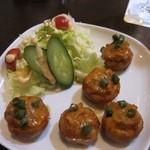 AGRA - マッシュルームディルクシュはチーズとホタテの旨味