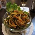 AGRA - アグラムルグは細切り野菜とチキンの辛い一品