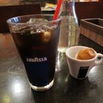 25347259 - アイスコーヒー(ランチタイムは100円)