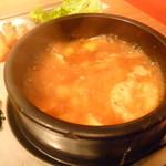ポチャ - スンドゥブの鍋がグツグツと♪