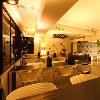 ◆お昼はカフェとして、夜はイタリアンを堪能できる非日常空間◆
