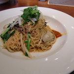 25356726 - 牡蠣と野菜の煮込みソバ