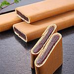 25366863 - 薄く焼き上げたカステラで上品な甘みのこし餡を巻き上げた銘菓