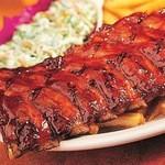 トニーローマ - 肉の中でも一番旨味のある骨付き肉を、独自の調理法とBBQソースをもって柔らかくジューシーに焼き上げます。
