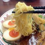 ラーメン魁力屋 - 中太麺です。