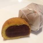 大原老舗 - 料理写真:松露饅頭 バラ1個80円