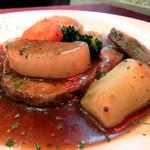 洋風厨房 インコントロ - 料理写真:豚肩ロースのロースト、赤ワインマスタードソース