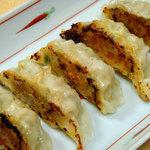食楽酒家 朋 - 中華料理屋さんより美味しい、ジューシーな餃子